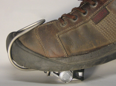 "Boot model with ""Keen high-toe box shoe"""