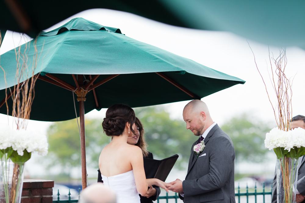 ariel_hawkins_photography_wedding_rings_buffalo_ny.jpg