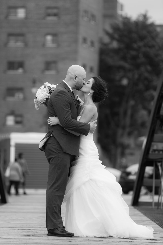 ariel_hawkins_photography_wedding_bridge_buffalo_ny.jpg