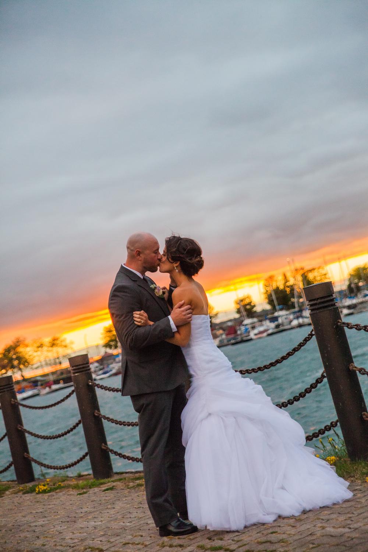 ariel_hawkins_photography_wedding_sunset_buffalo_ny.jpg