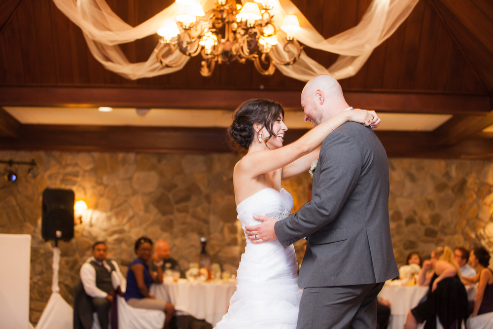 ariel_hawkins_photography_wedding_first_dance_buffalo_ny.jpg