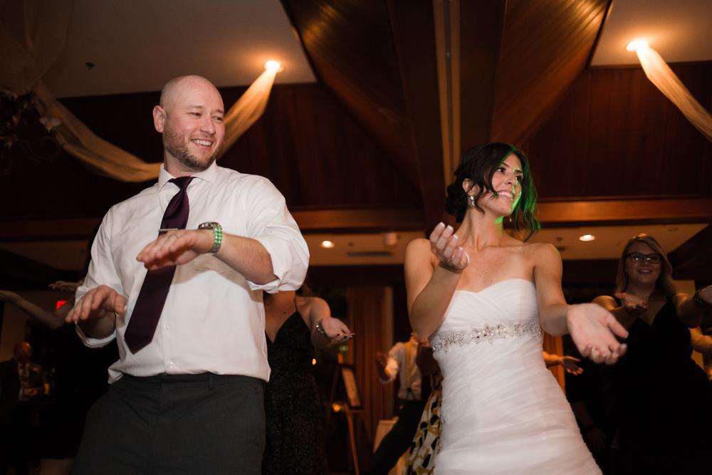 ariel_hawkins_photography_wedding_dancing_macarena_buffalo_ny.jpg