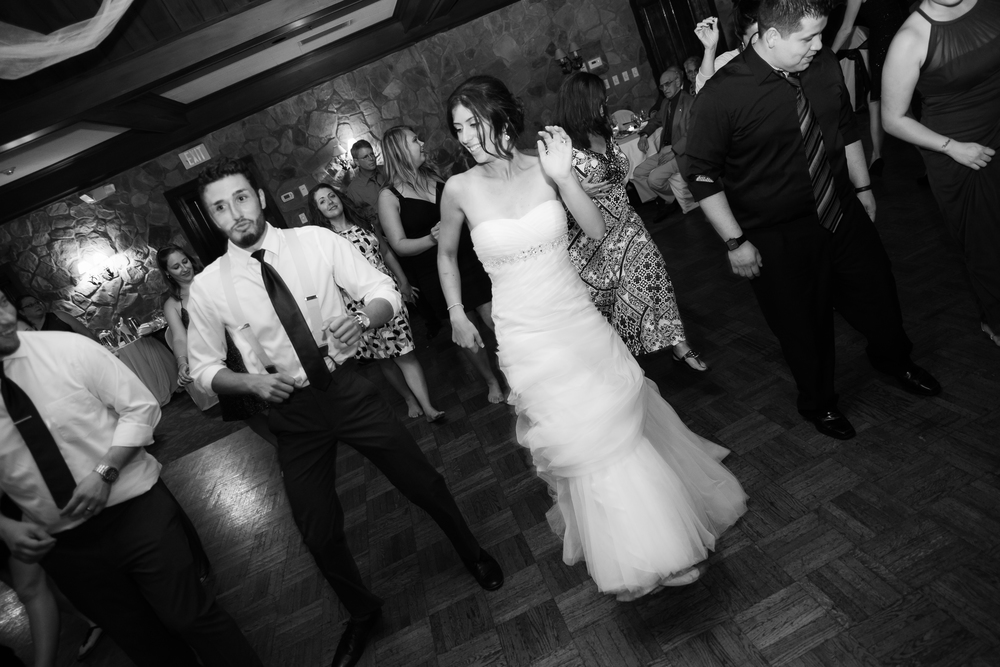 ariel_hawkins_photography_wedding_dancing_buffalo_ny.jpg