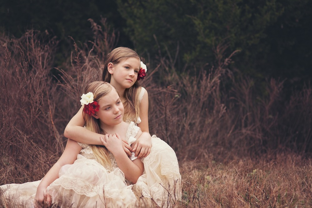 ariel_hawkins_photography_sisters_buffalo_ny_portrait_photographer.jpg