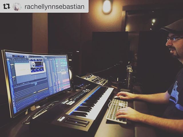 That #curved #monitor is at the home studio now. It's very cool. #Repost @rachellynnsebastian with @repostapp ・・・ Welcome to the #nextgeneration! The #curvedultrawide #ipsdisplay #jeremycaysproductions @jeremycaysproductions #recordingstudio #olympicpeninsula #pnwmusic #komplete #musicproducer #musicproduction #producingmusic #producer #motu #digitalperformer #universalaudio #apolloquad #songwriting #songwriter #arranger #musicstudios #controlroom