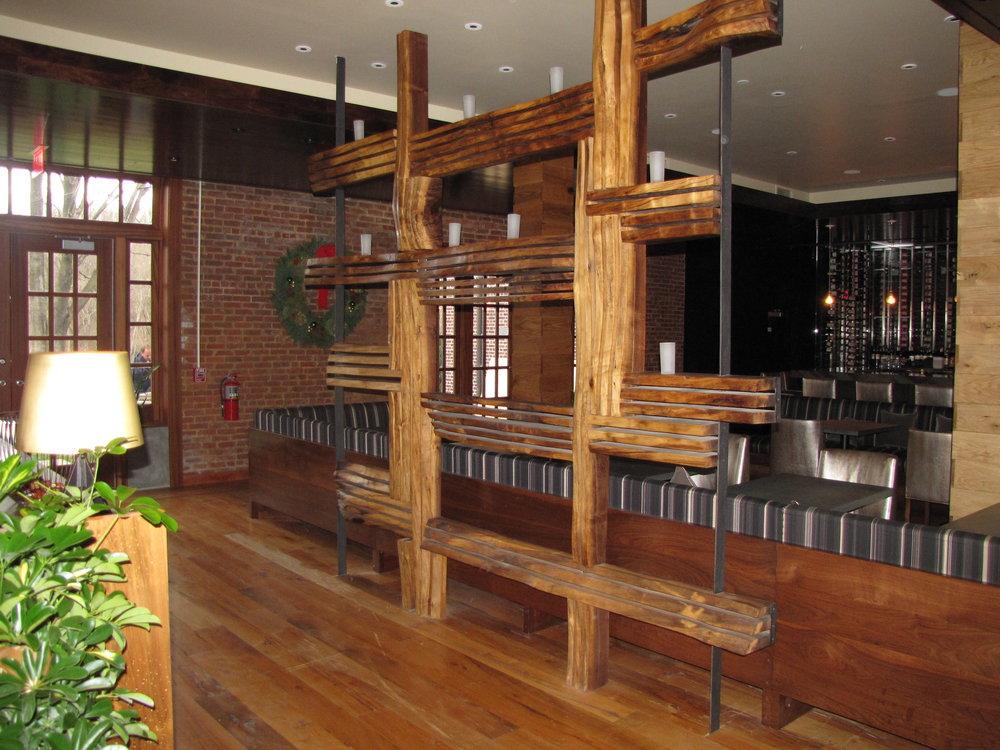 natirar partition restaurant angle2.JPG