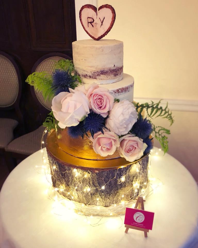 Semi-Naked & Golden Wedding cake