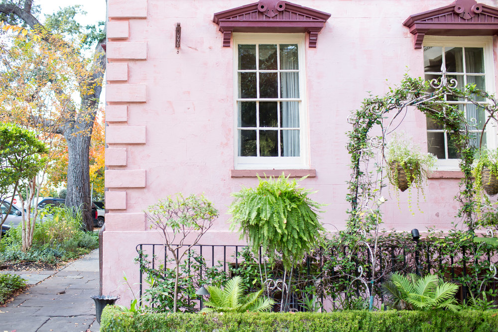 A fun shot of the Pink House in Savannah.