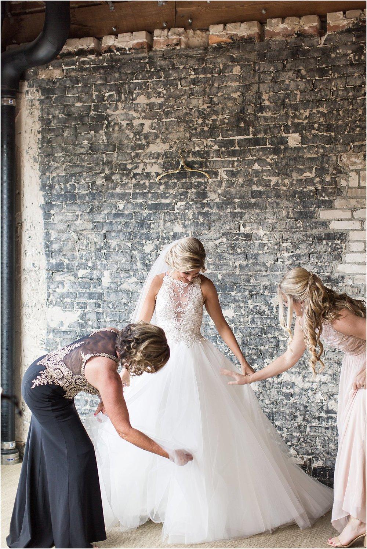 Getting-Ready-Oxford-Exchange-Wedding