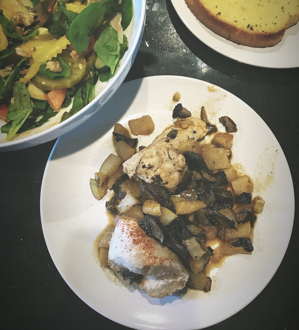 Pear glazed chicken with mushrooms, spinach salad and texas toast