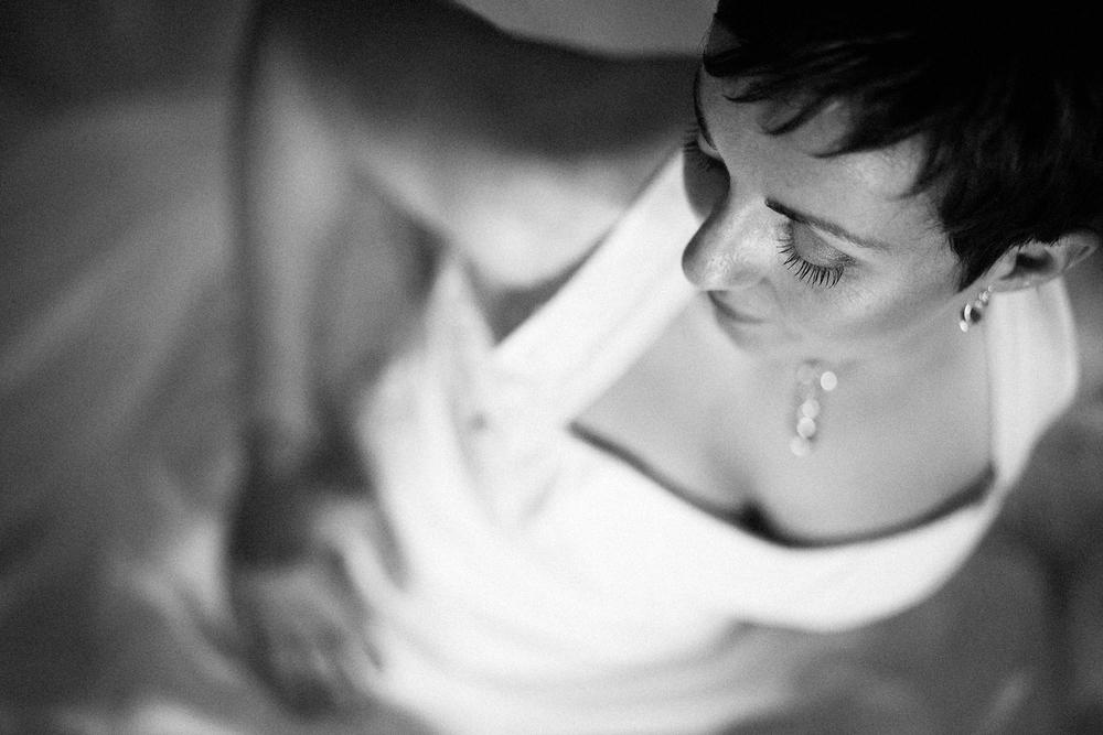 Photo noir et blanc de la mariée
