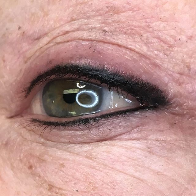 Soft and Smudgy Eyeliner. I love doing eyes!!