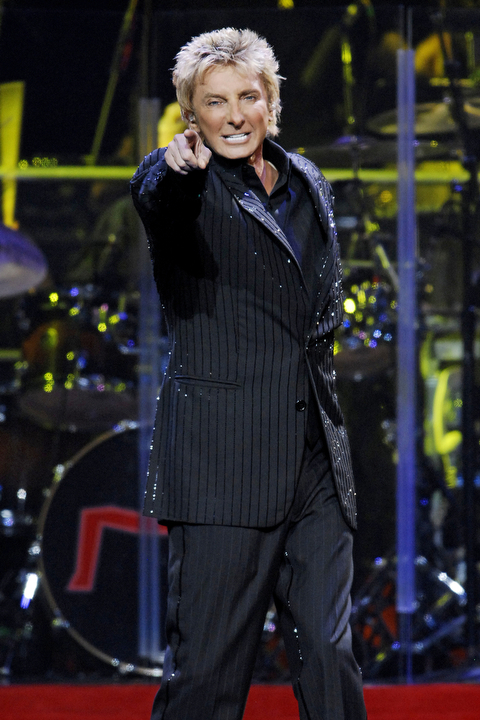 BARRY_MANILOW_BAB6038.JPG