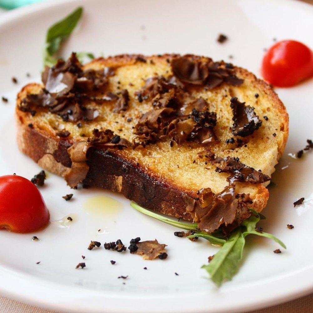 Bruschetta al tartufo @ La Scala   Toasted bread black truffle