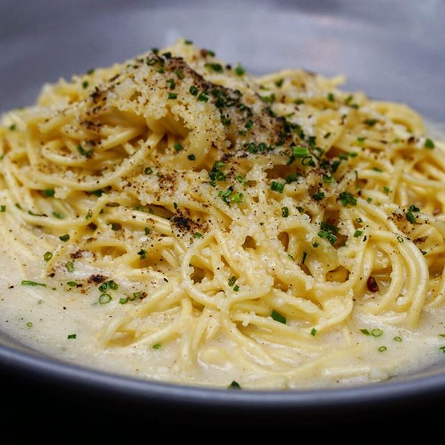 Tag someone who loves Cacio e Pepe 🍝 @nomokitchen