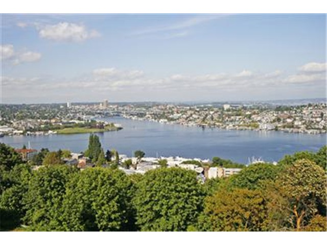 Taylor Avenue N, Seattle   Sold for $989,000    Represented the Seller    2 BD | 2.5 BA | 15 DOM