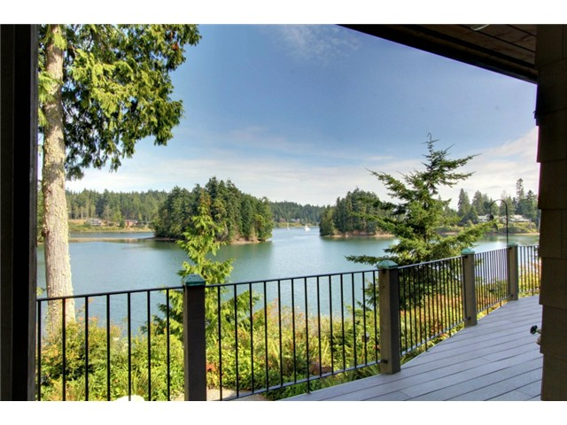 Skiff Lane, Port Ludlow   Sold for $960,000    Represented the Seller    3 BD | 3.5 BA | 205 DOM