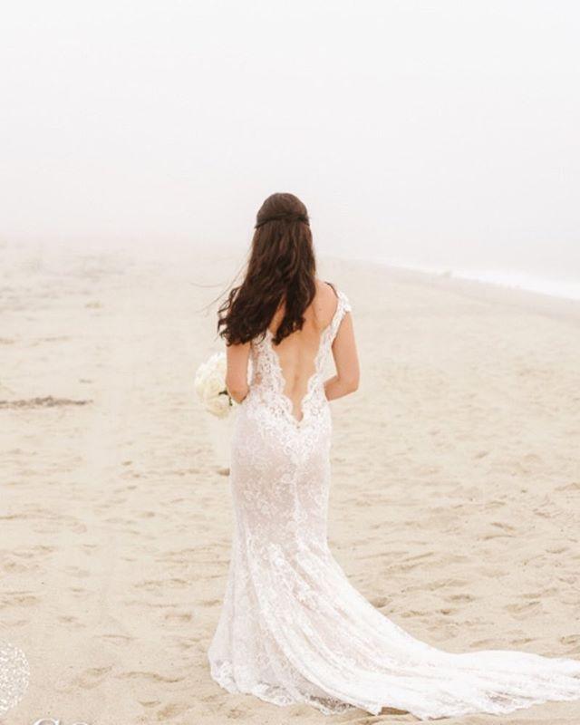 #nantucket #wedding #hair #hairstyle #bridalhair #waves #hairstylist #weddingdress #zofiaphoto