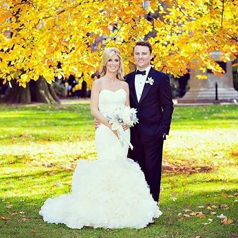 #bride #verawang #weddingdress #brideandgroom #boston #fallwedding #hair #photographer @lkillianpersonkillianphoto #makeup @daniwbeauty @daniwagenerbeauty #hairstylist @janarago #flowers @winstonflowers