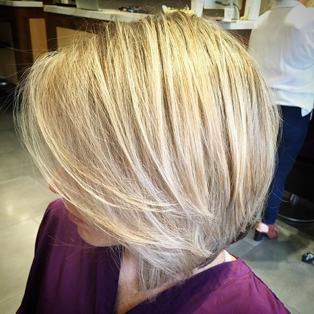 #nofilter #hightlight #demention #blondehair #blonde #color #colorist #boston #bestofboston #haircut #salon #newburystreet #hair #hairbyme @janarago
