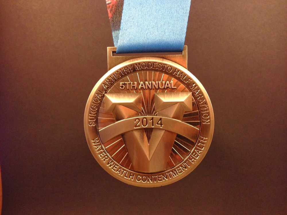 modesto_marathon_medal.JPG