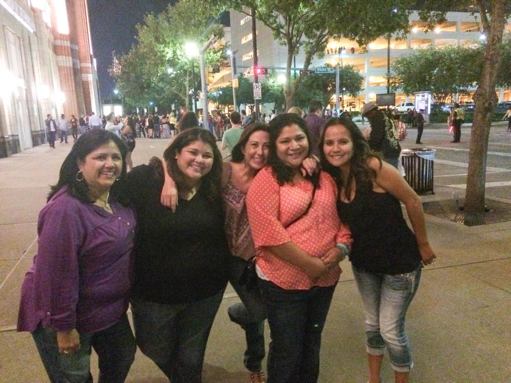 Mom, me, Cristina, Luz, Anita