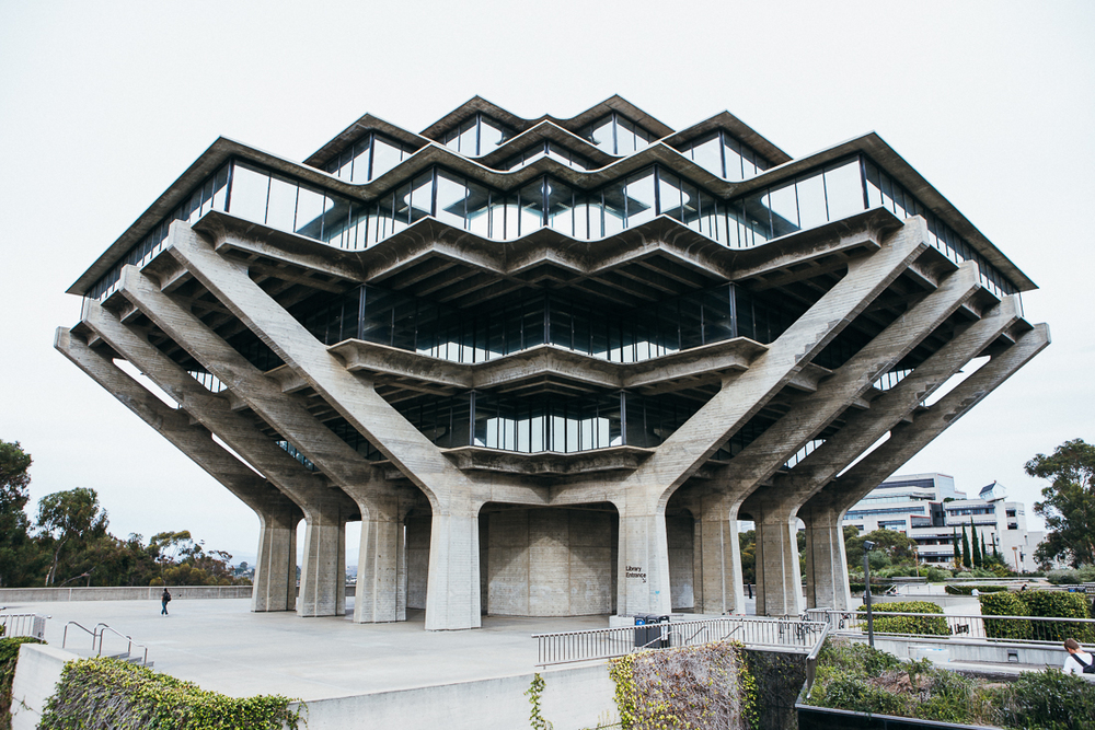 This library at SDSU in one of the coolest buildings I've ever seen.  I admit, I'm a total addict of awesome architecture, and I don't want treatment.