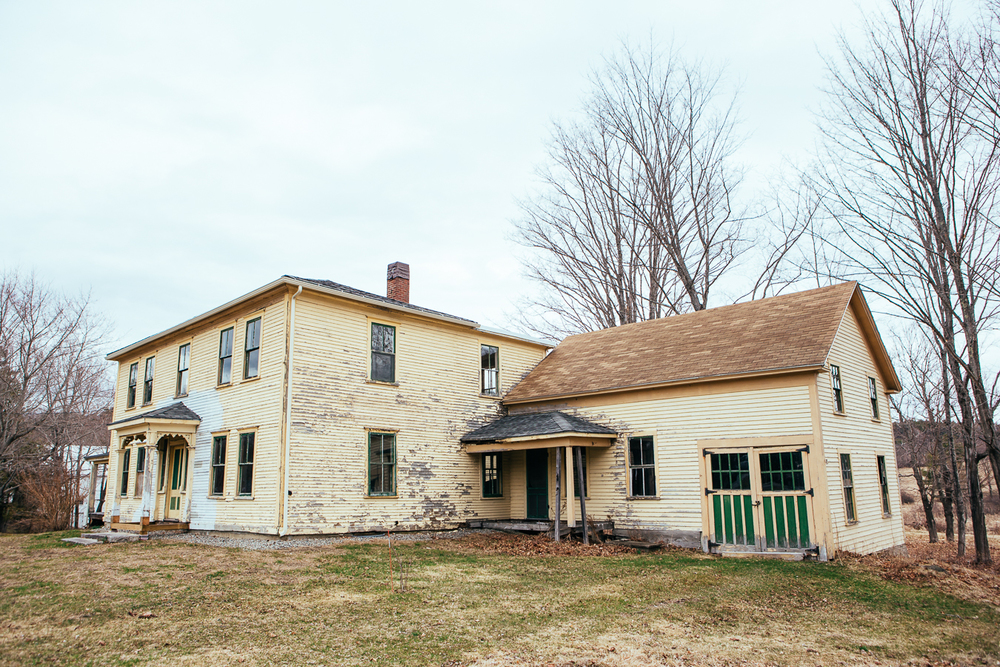 Another greatly weathered farm home that I couldn't resist photographing.