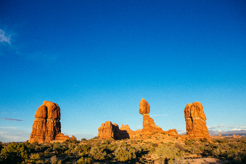 I photographed a hundred different scenes of Balanced Rock. I'll give you a slideshow someday if you ask.