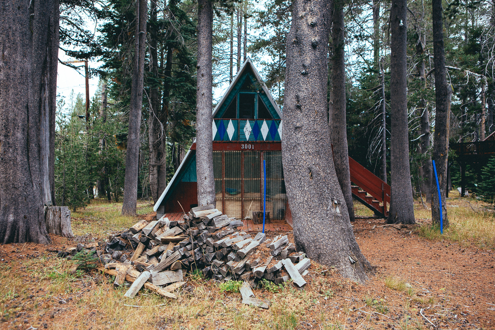There's always been something about A-frame cabins that I've been attracted to. I went on a little search, actually a detailed hunt in the area to find and document them. This one, I want so bad.