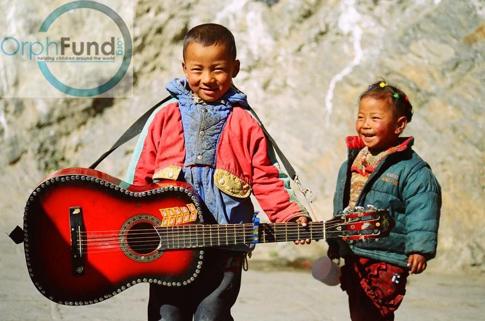 6 guitar tibet 1 copy.jpg