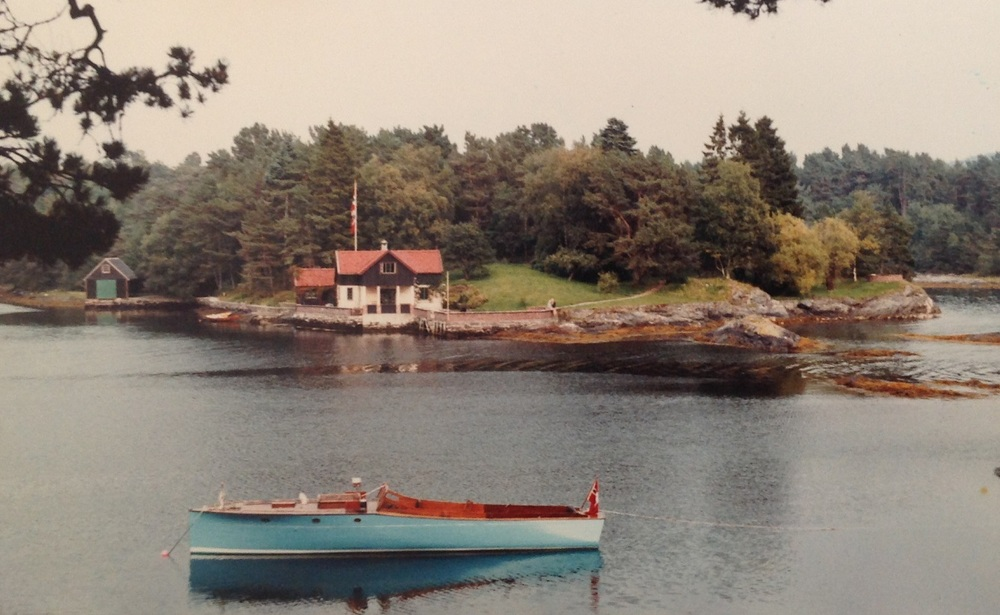 """Amy"" designed and built by Lars Halvorsen.    Helle in Norway c 1910."
