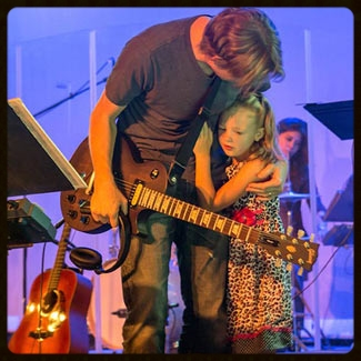 My baby girl came onstage to hug her daddy!