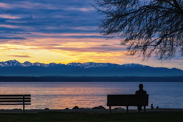 """.... find eternity in each moment."" Thoreau . . . . . . . #seattle #seattlelife #seattlephotographer #olympicmountains #sunset_sunrise_beautiful #westernnature #seattleart #pnw #sunset #nikonusa #washingtonexplored #vscofilters #pnwescapes #landscapephotography #landscape_lovers #landscape_captures #landscapecaptures #landscapephoto #visitseattle #clouds #sky_sea_sunset #livewashington #viewpnw #fs_sunset #sunsetlovers"