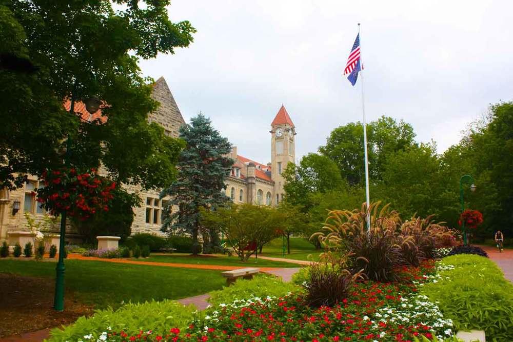 Indiana University  Monica Rossi Razavian         ⬇