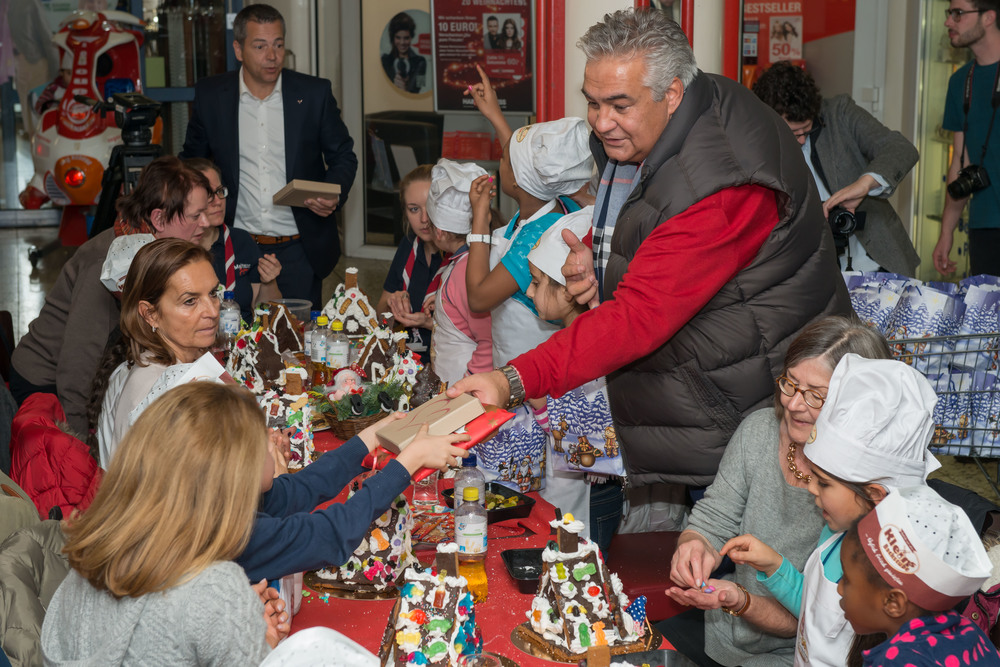 20151203 Malteser Weihnachtsaktion 334.jpg