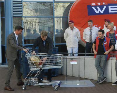 Uebergabe an real Markt Koeln Suelz 6_400_web.jpg