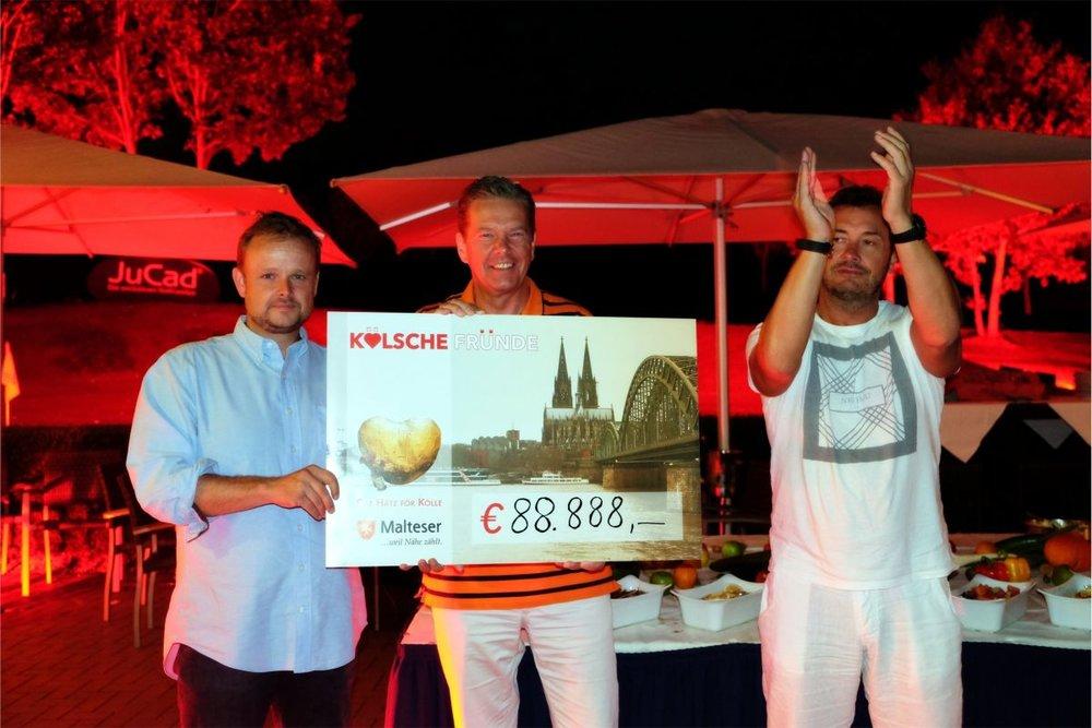 V.l.n.r: Peter Wenzel, Direktor Lindner Hotel & Sporting Club Wiesensee; Martin Rösler, Geschäftsführer Malteser Hilfsdienst e.V. Köln und Jörg Ch. Topfstedt, Geschäftsführer Deutsche R+S Dienstleistungen GmbH Köln