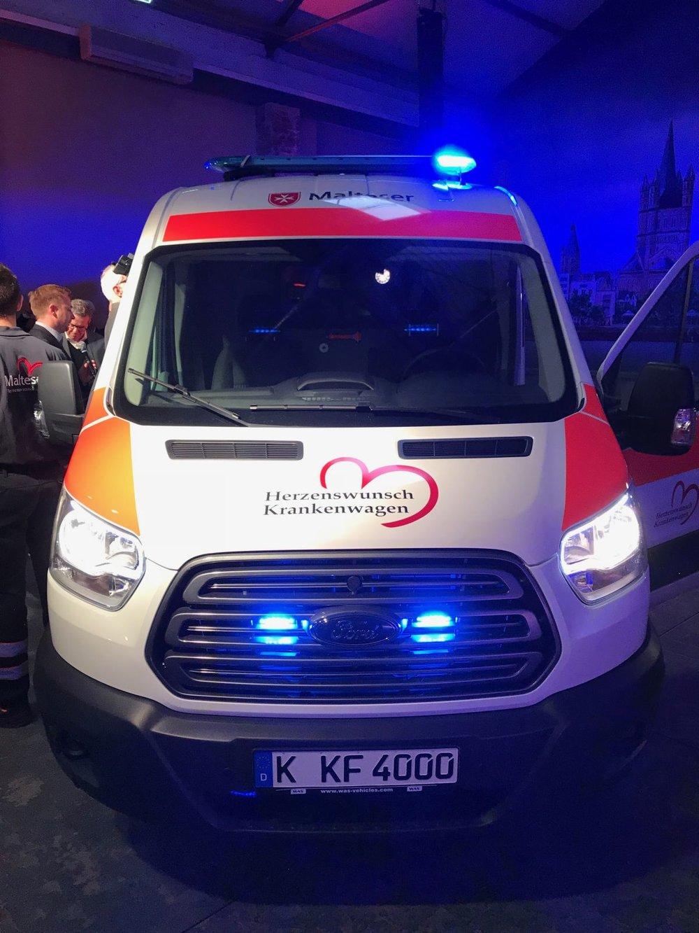 02_Der neue Herzenswunsch Krankenwagen.jpg