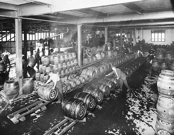 A2641-barrel-washing-hall.jpg