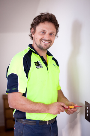 Solar_power_installer_Langwarrin_South.jpg