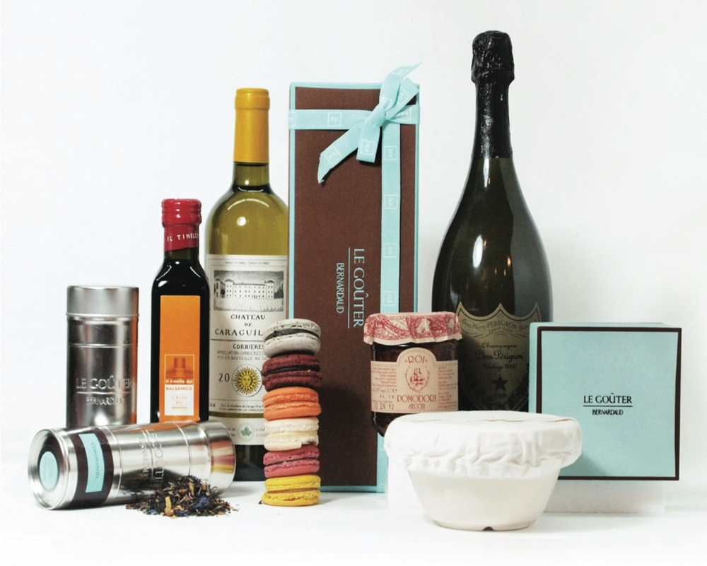 LGB LA PERLE HAMPER $998 2 Mini Saucissons by Loste Coupon for 8 piece LGB Macaron gift box 2 packs Espinaler gourmet preserved Spanish seafood Coupon for 2 large Valrhona Grand Cru Hot Chocolates Christmas Pudding LGB Fruit Cake, Small LGB Financiers and Madeleines Innocent Bystander Pink Moscato 2014