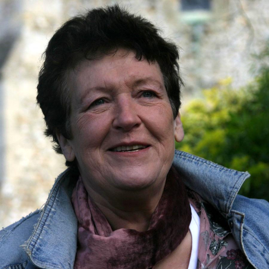 Ruth-Wade-author-photo.jpg