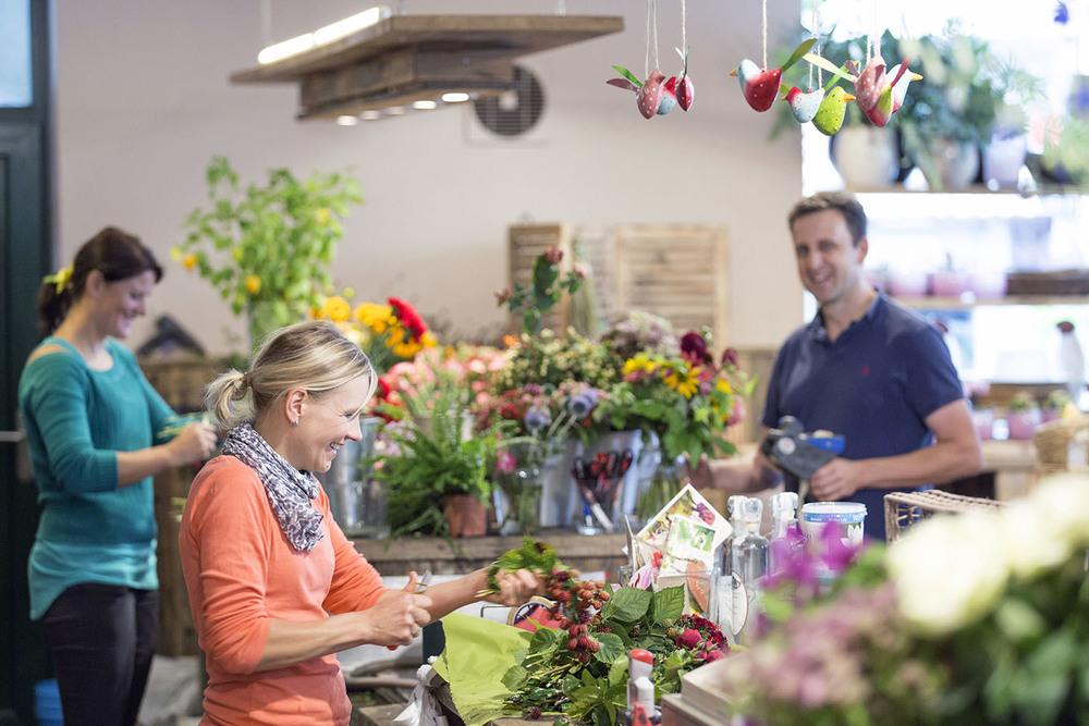 Entdecke Blumenkunst aus  BAD TÖLZ   Trete ein