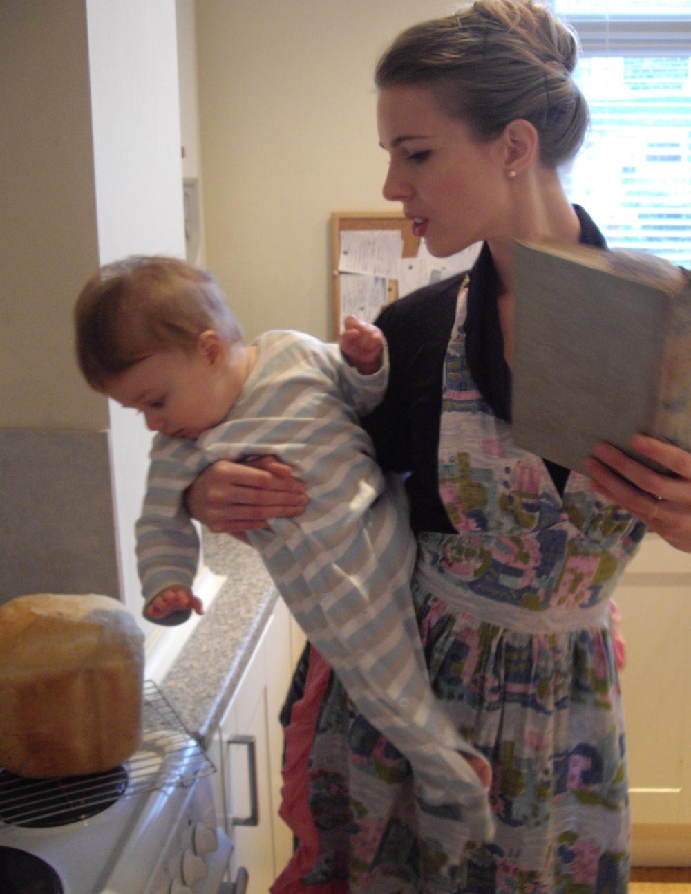 Mummy bake - Powder compact diaries