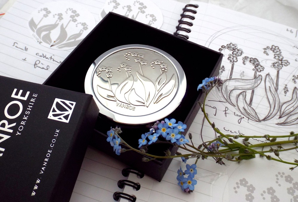 Forget-me-nots, my sketches and the compact mirror the flower inspired