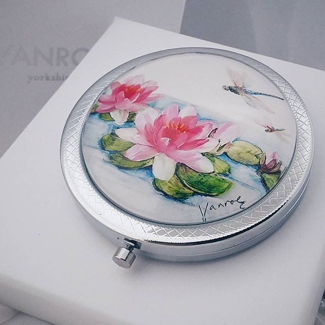 One of my favourites from our new 'English Garden' collection of compact mirrors #design #illustration #productdesign #gift #waterlily #dragonfly #mirror #art #painting #ukdesign