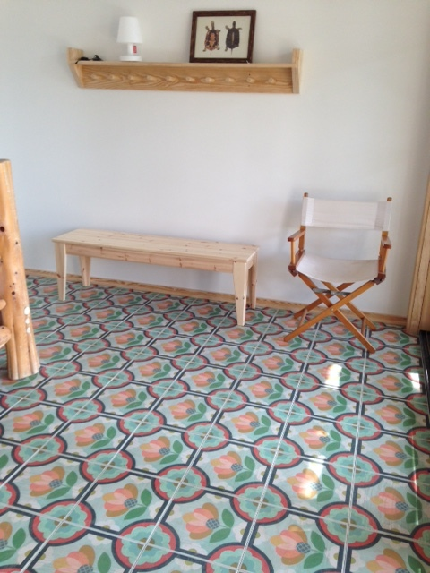 Blossom hardwood floor tile pattern in 12x12