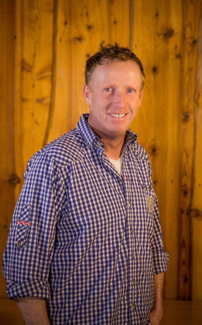 Klaus Seyfert  Die Idee von der eigenen Berghütte für die Familie stammt von ihm und zusammen mit demRest der Seyferts wurde aus diesem Plandann ein ganzes Dorf für viele Familien.