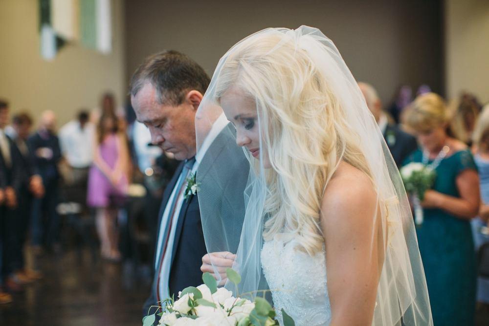 Bride - Devon-Leigh 0012.jpg